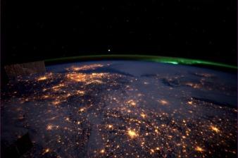 892_0415-nederland-met-aurora